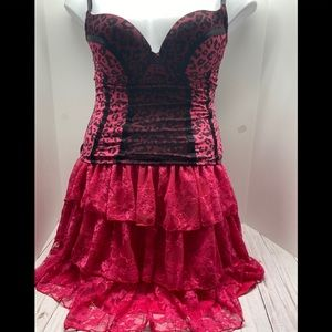 Other - Hot pink corset & Lace skirt L